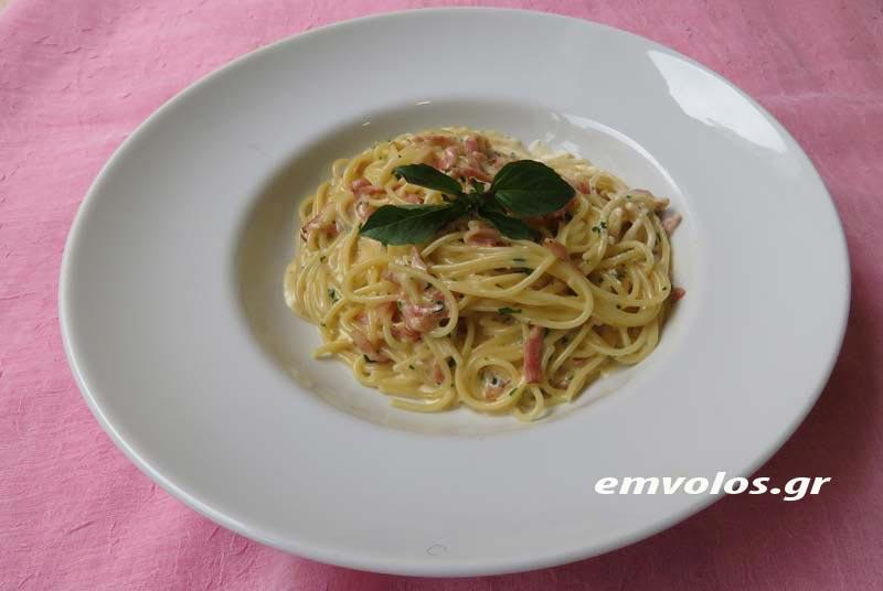 Η αυθεντική συνταγή της μακαρονάδας καρμπονάρα