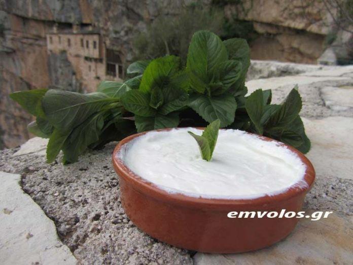Φτιάξτε γιαούρτι ποιμενικό της Ιεράς Μονής Κηπίνας