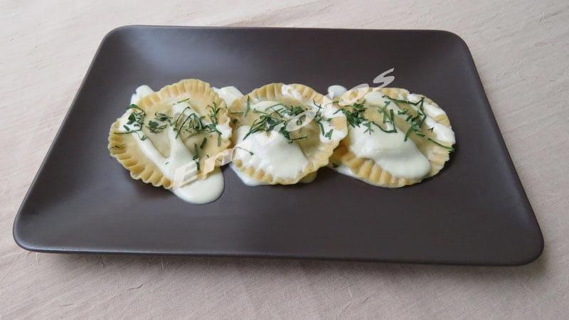 Ραβιόλια με σπανάκι τυρί φέτα και πέστο βασιλικού