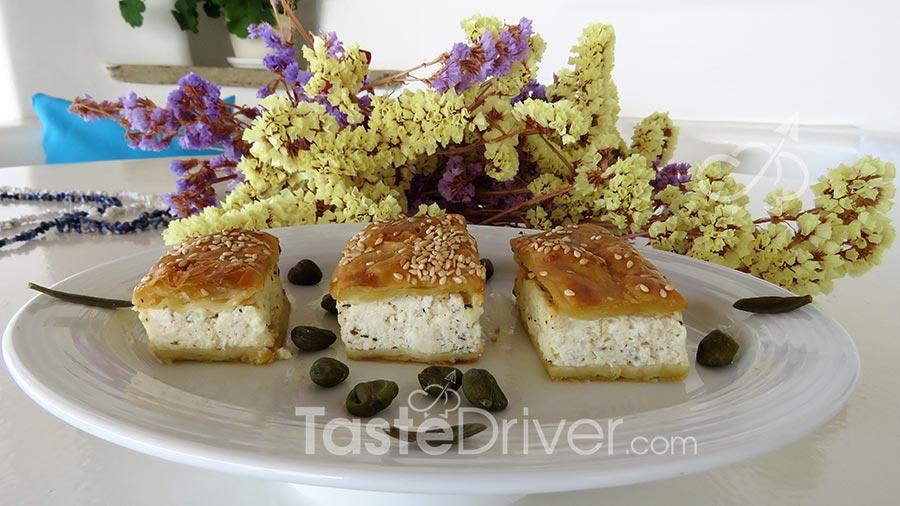 Τυρόπιτα Τήνου με τρία τυριά, μάραθο και κάπαρη