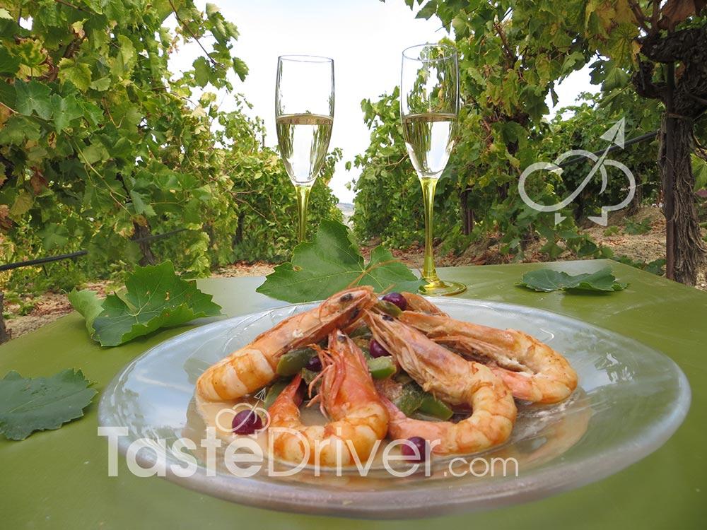 Γαρίδες κρασάτες με σταφύλι