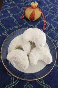 almond-kourampiedes-2