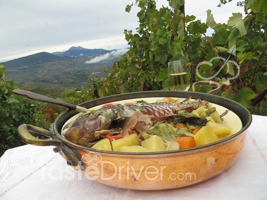 Σκάρος φουρνιστός με λαχανικά και μοσχοφίλερο