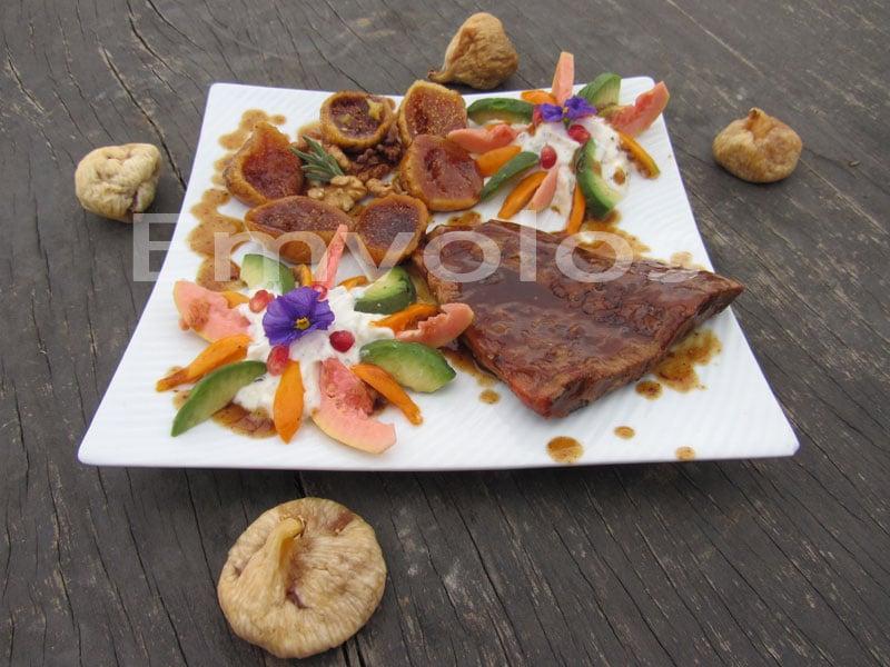 Χοιρινό φιλέτο με ξερά σύκα