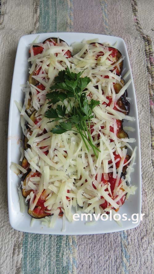 eggplants-with-tomato-sauce-2