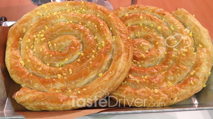 Στριφτόπιτα Κοζάνης με κρέμα λεμονιού
