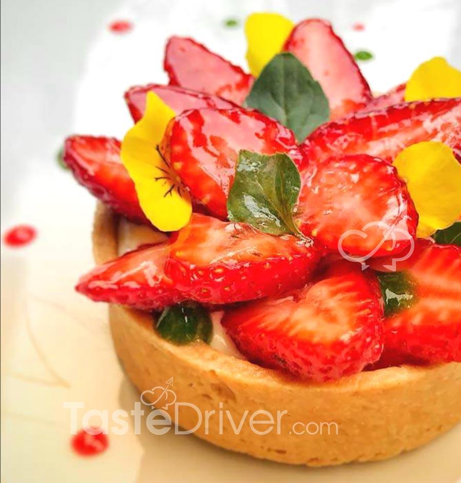 Το μυστικό πως διατηρούνται φρέσκες και λαμπερές οι φράουλες στην τάρτα