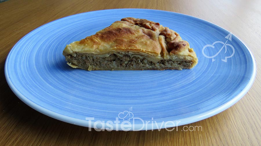 Meatpie with leek and gruyere