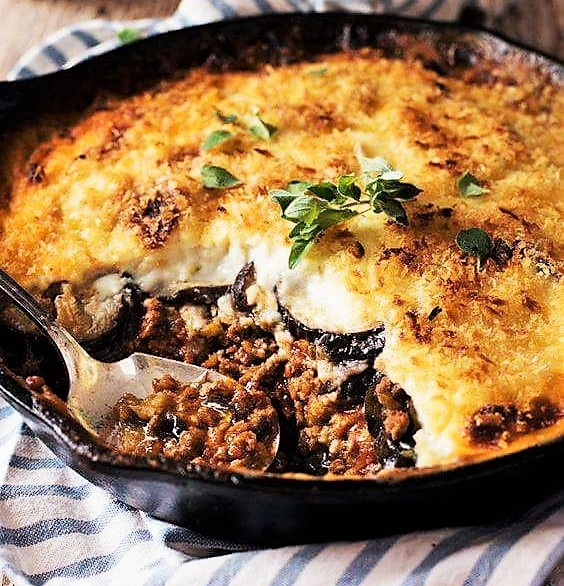 The original recipe of Moussaka with eggplants