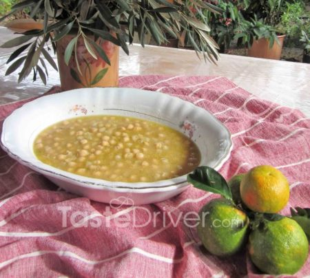 Chickpea soup with orange