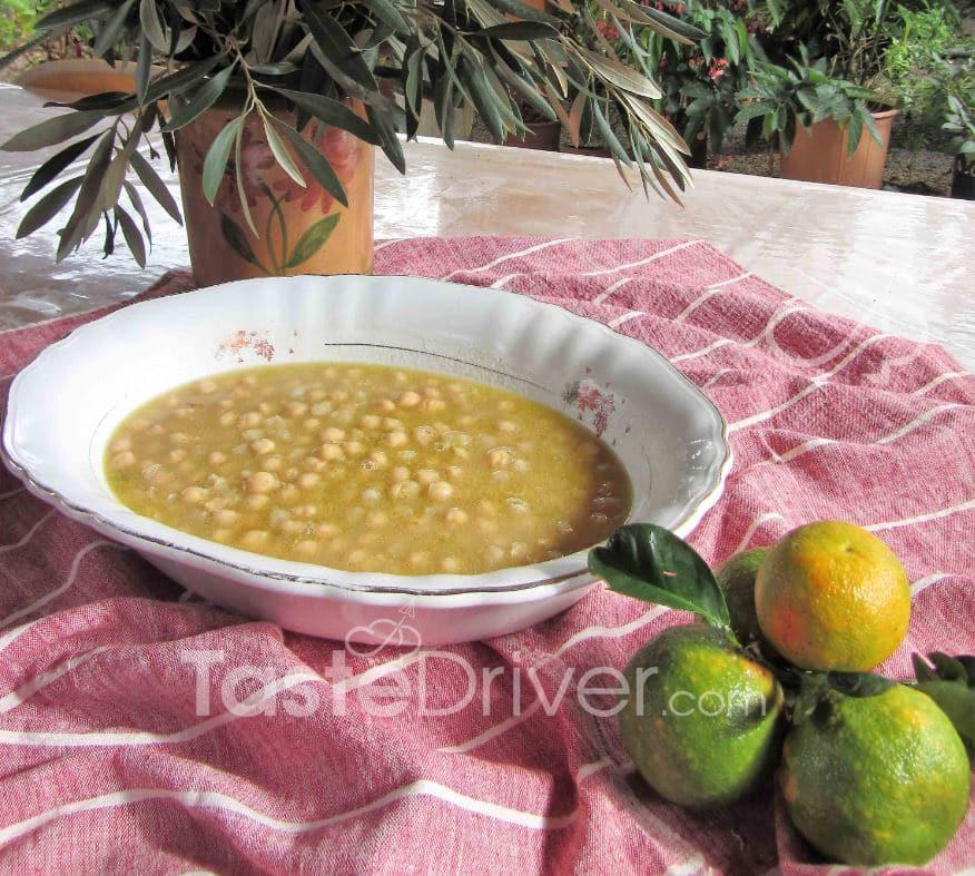 Σούπα ρεβιθιών με πορτοκάλι