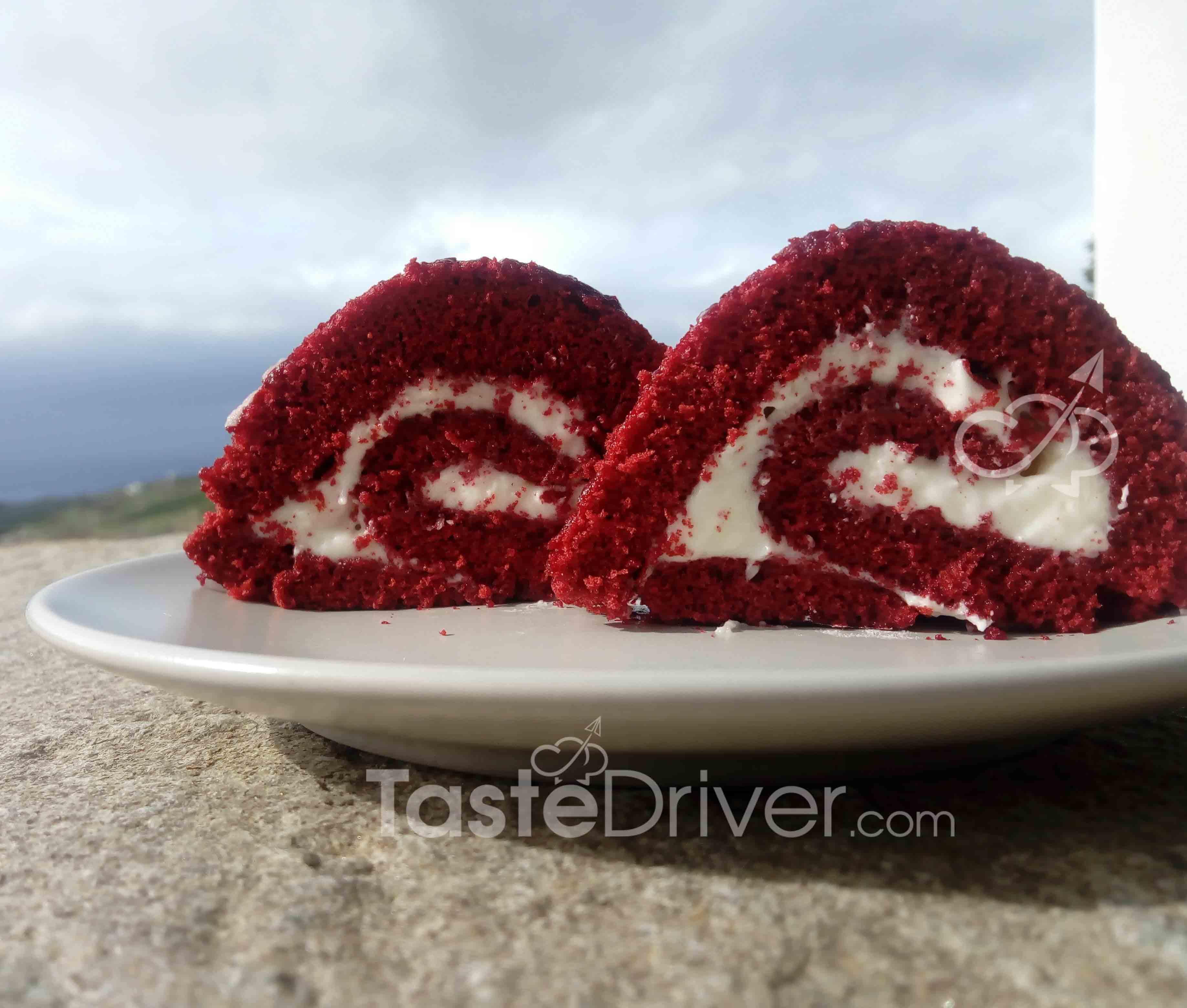 Κόκκινο κέικ ρολό