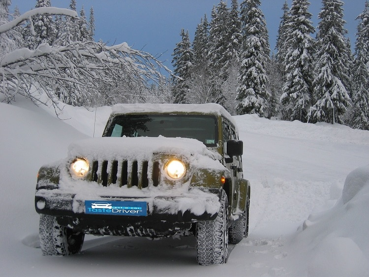 jeep-snow-mountain