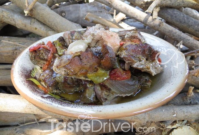 Χοιρινό φουρνιστό στη λαδόκολλα