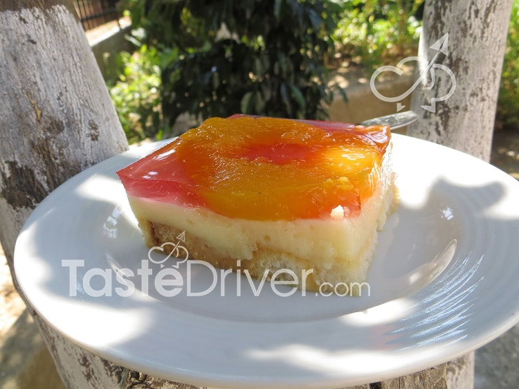 Biscuit cake with cream and jelly by Afroula