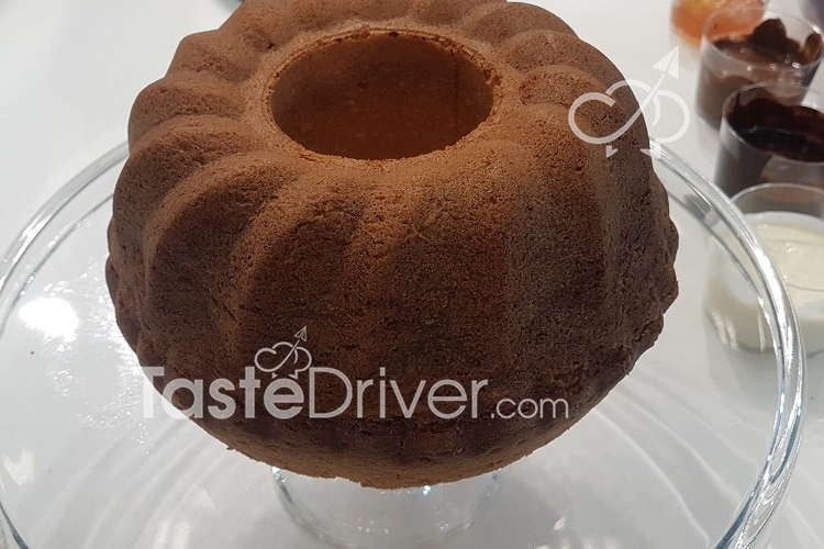 Efterpi's chocolate vanilla cake
