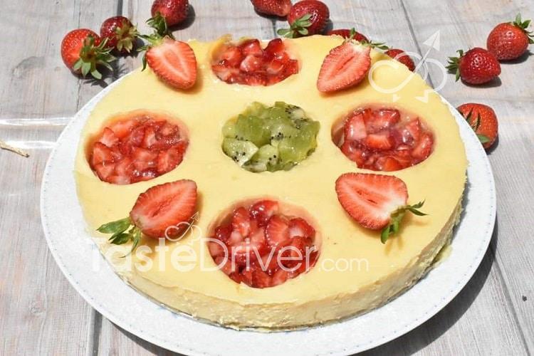 Cheesecake με φράουλες και ακτινίδια