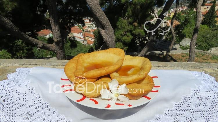 Παραδοσιακές τηγανίτες της Σάμου